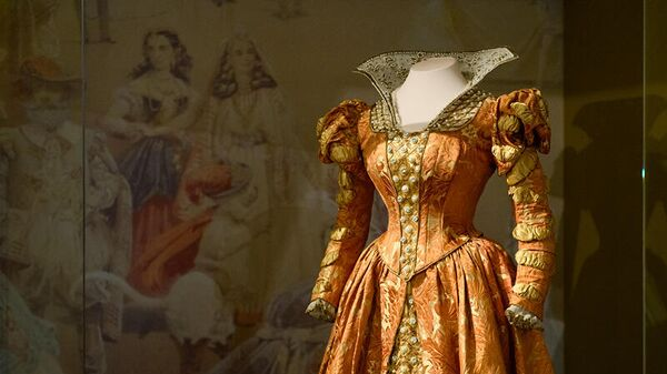 Выставка Придворный костюм середины XIX-начала XX века из собрания Государственного Эрмитажа в ГИМ