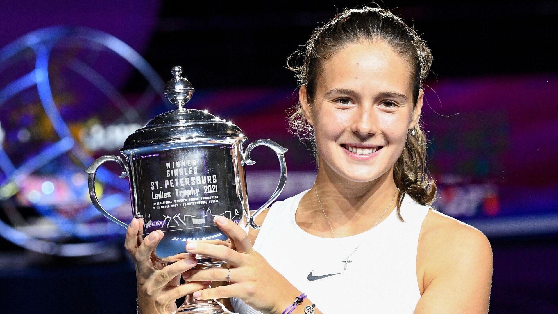 «Как же приятно вновь видеть ее улыбку!» - зарубежные любители тенниса о триумфе Касаткиной