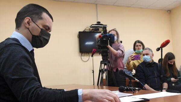 Адвокат Алексея Навального Вячеслав Гимальди на заседании 235-го гарнизонного военного суда в Москве, где рассматривается жалоба А. Навального на бездействие следствия