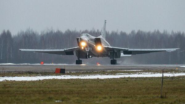 Возвращение самолётов дальней авиации ВКС России на аэродромы базирования (Калужская область, аэродром Шайковка)