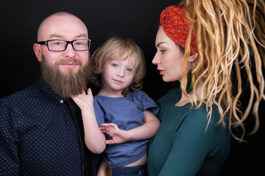 Павел Костюрин и семья