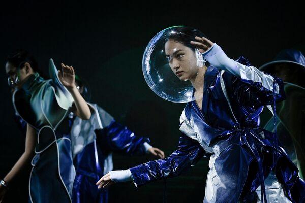 Модели на Китайской неделе моды в Пекине