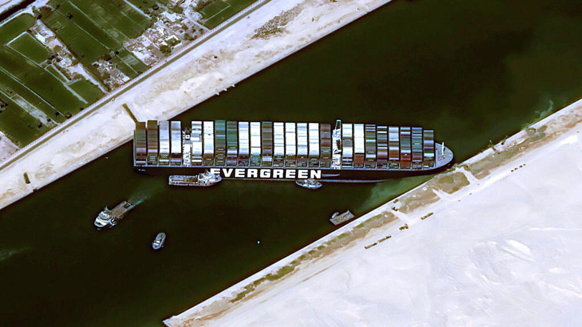 Эксперт оценил влияние блокировки Суэцкого канала на цены на нефть