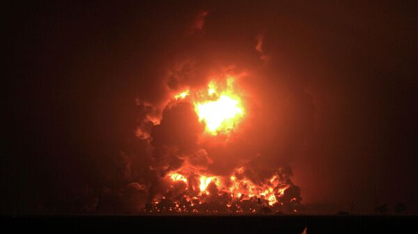 Взрыв на территории НПЗ в населенном пункте Балонган, Индонезия