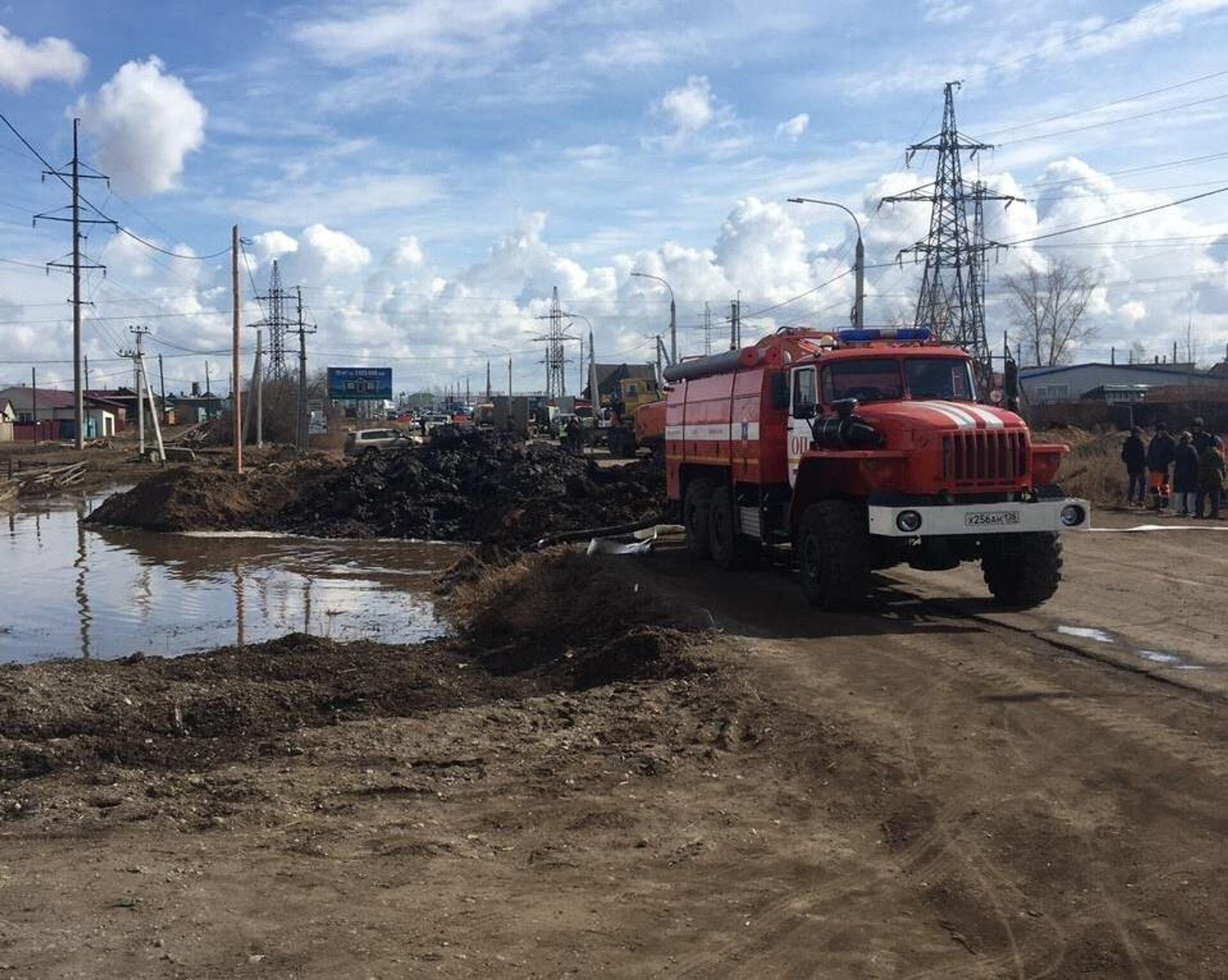 В Иркутской области затопило дома жителей села, а спасатели не едут