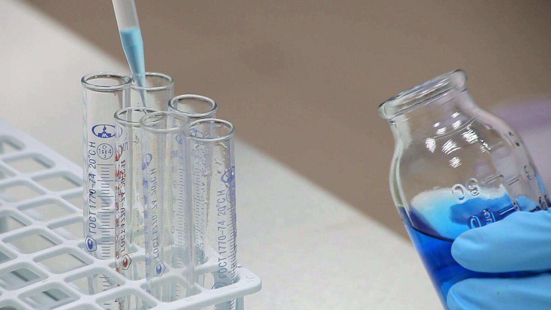 Производство препарата Ковид-глобулин на основе плазмы крови переболевших COVID-19 - РИА Новости, 1920, 22.07.2021