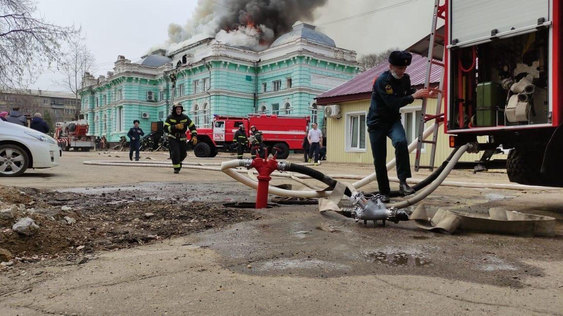 В Благовещенске локализовали пожар в кардиохирургическом центре