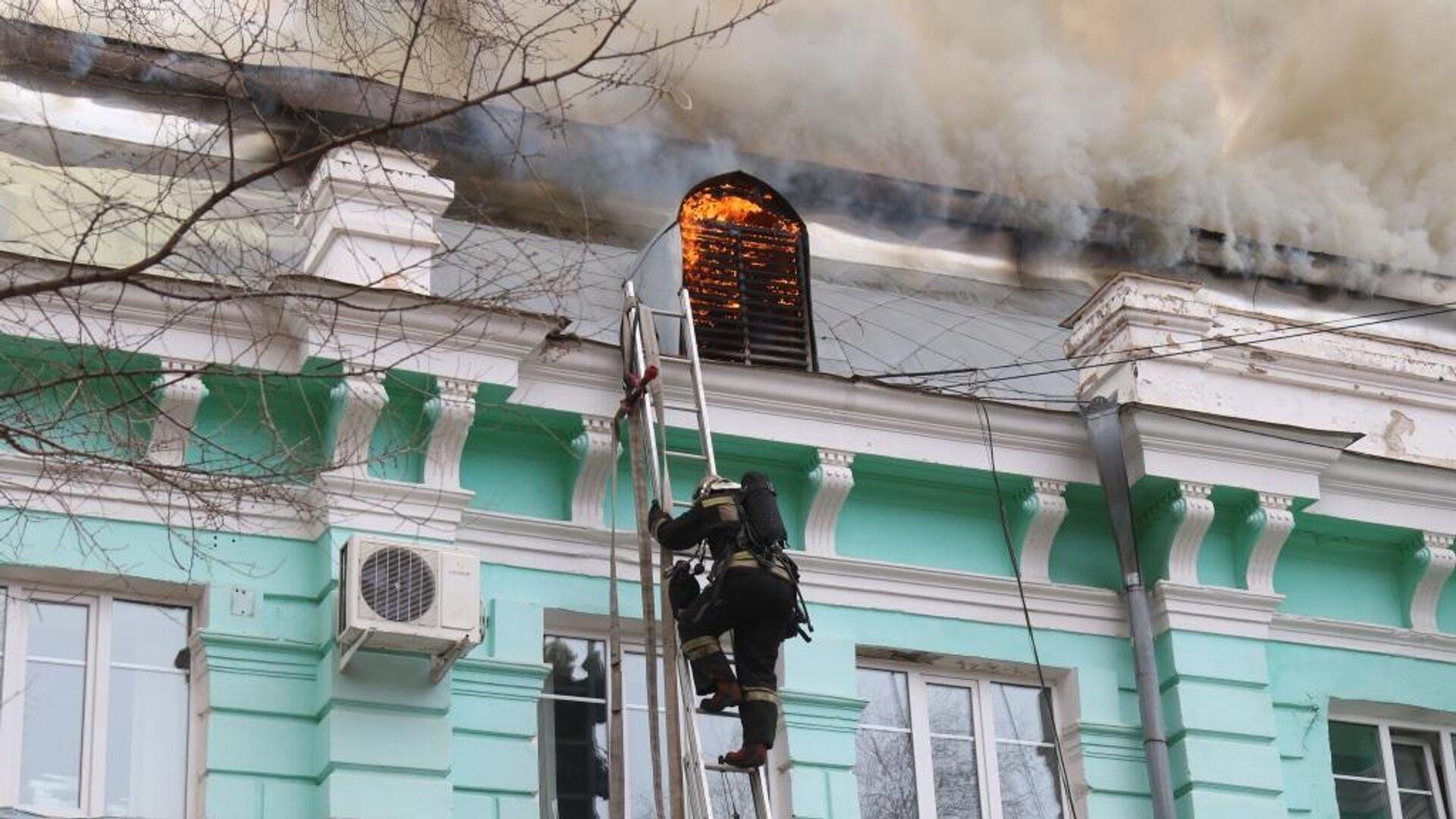 Пожар в кардиохирургическом центре в Благовещенске - РИА Новости, 1920, 04.04.2021
