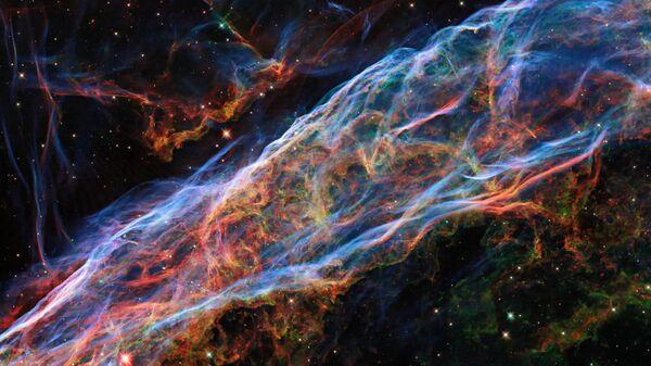 Изображение туманности Вуаль, сделанное телескопом Хаббл