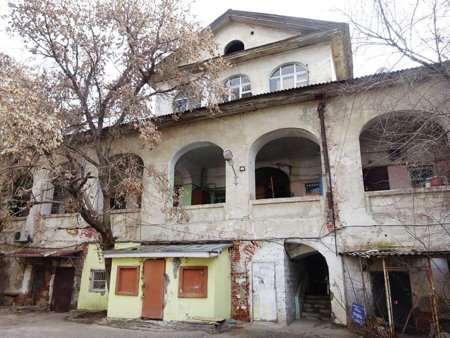 Армянское подворье. Вид со двора