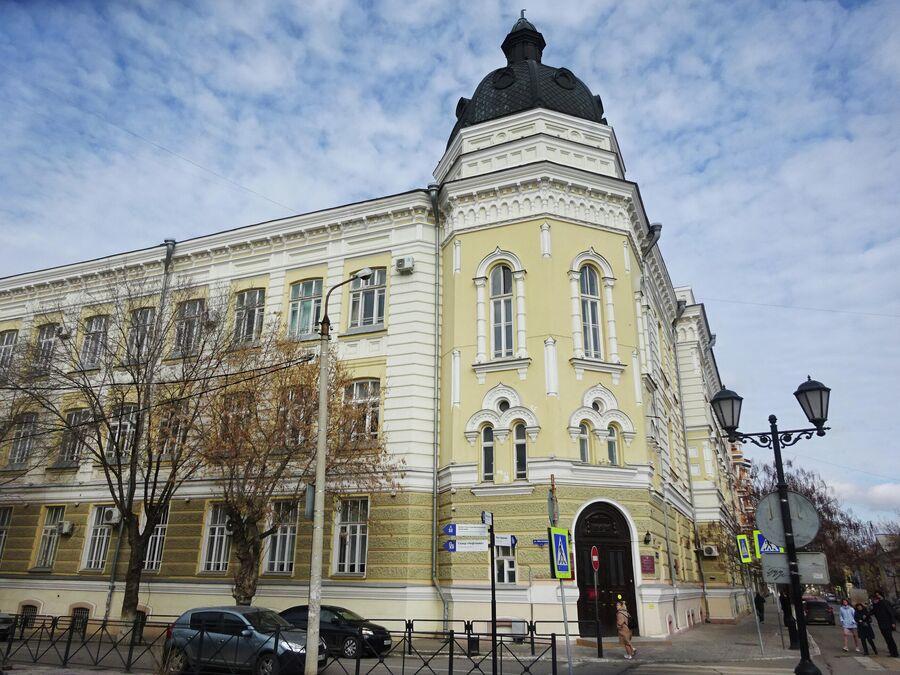 Псевдобарокко. Мариинская женская гимназия (1910 г.)