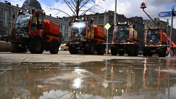Промывка дорог с шампунем в Москве