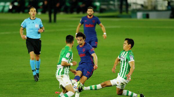 Игровой момент матча чемпионата Испании Атлетико - Бетис