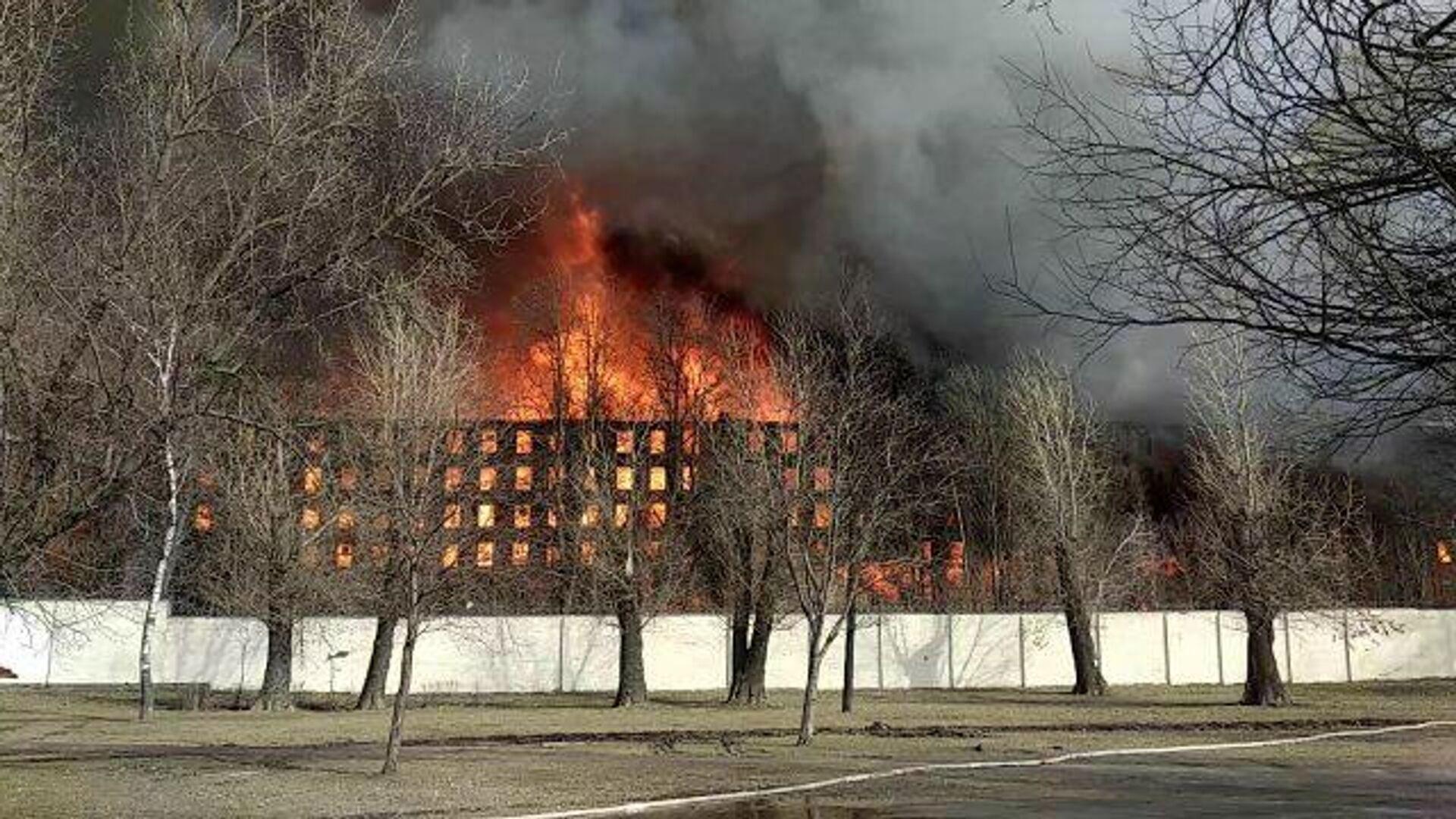 В Тамбове обрушились крыша и часть стены административного здания