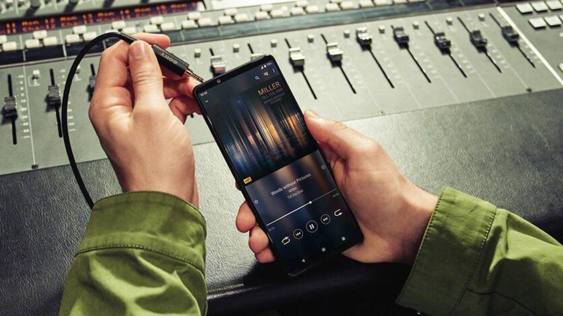 Sony представила недорогой компактный смартфон Xperia Ace 2