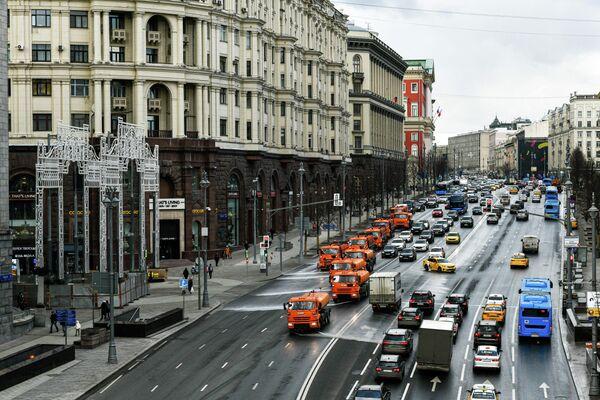 Промывка Тверской улицы