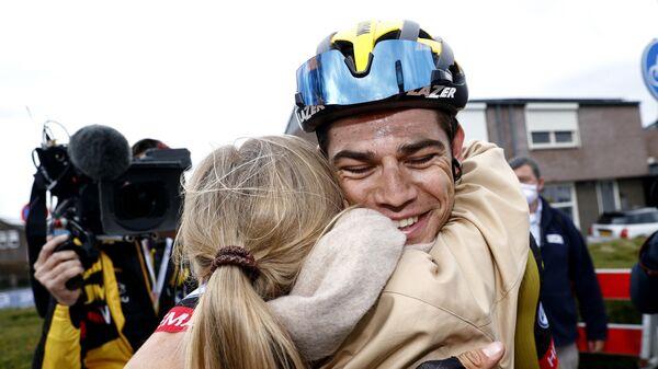 Велогонщик команды Jumbo-Visma Ваут ван Арт (Бельгия)