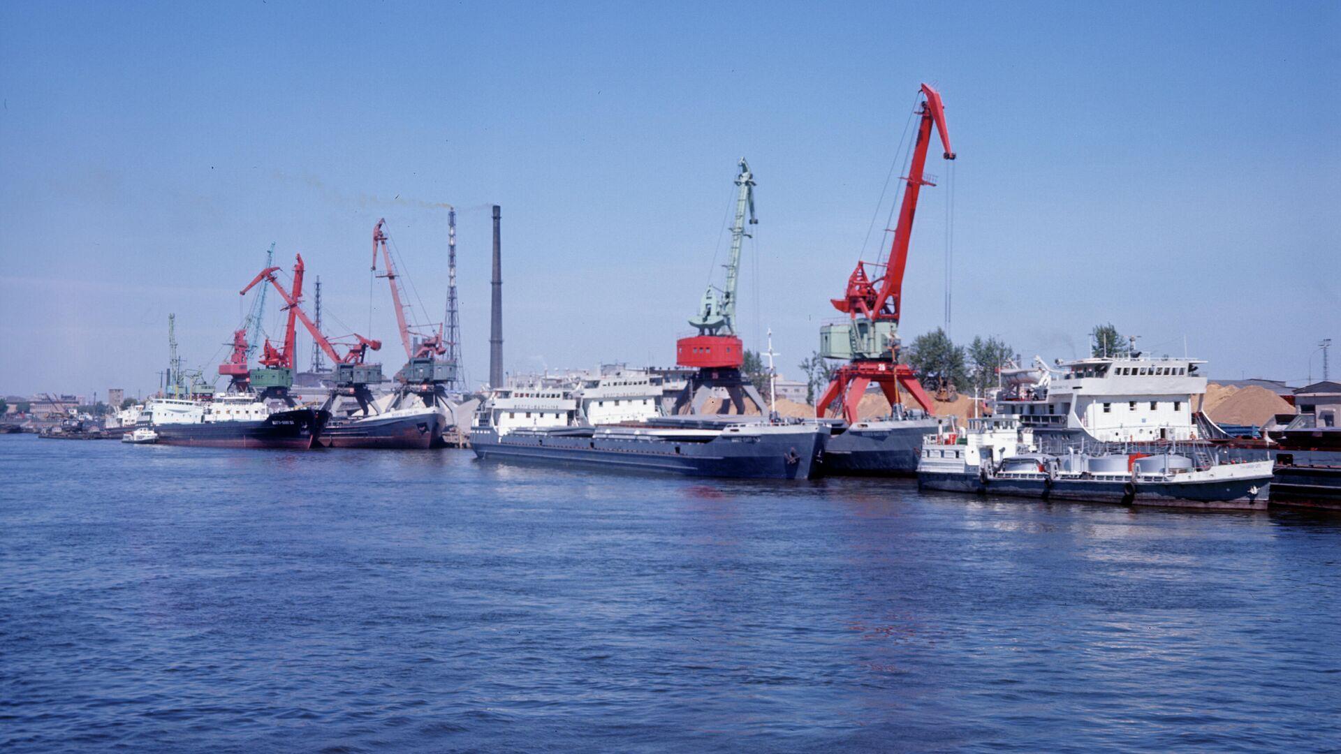 Большой порт Санкт-Петербург - РИА Новости, 1920, 19.04.2021