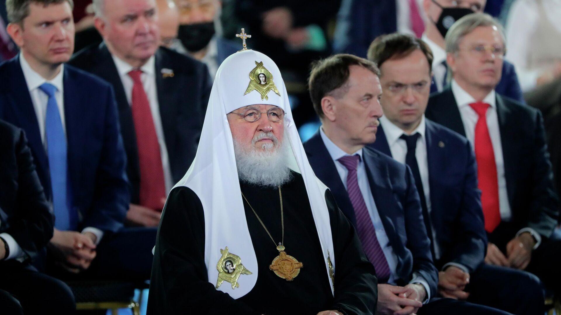 Патриарх Кирилл рассказал о своем участии в событиях 1993 года