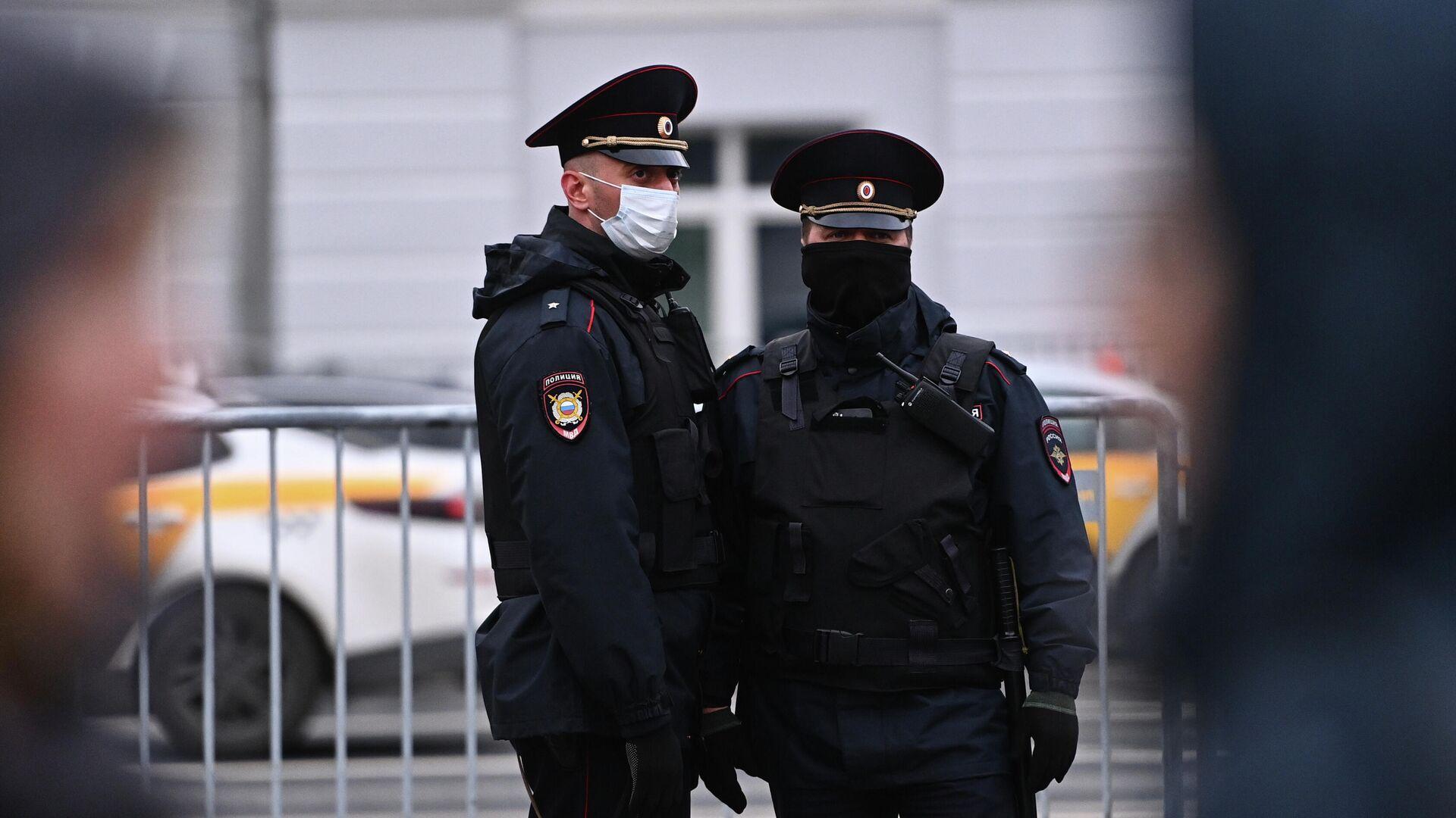 Источник: полиция заподозрила журналиста Пивоварова в подделке справок