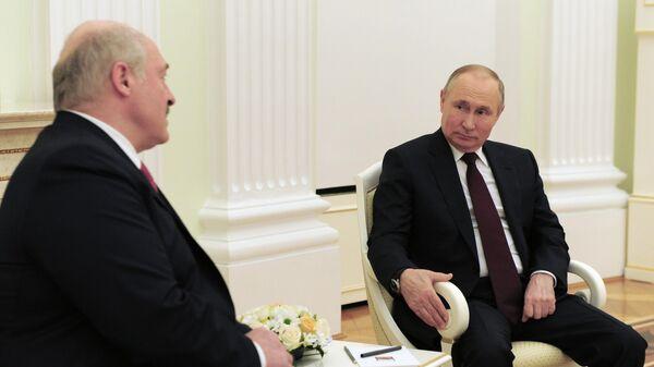 Путин оценил идею Киева перенести переговоры по Донбассу из Минска