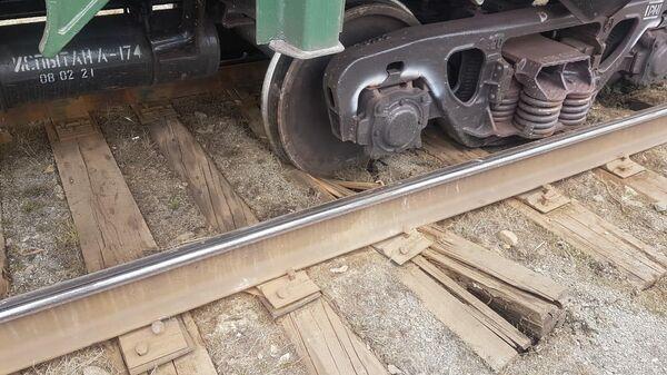 Грузовые вагоны сошли с рельсов на станции Заводская Южно-Уральской железной дороги