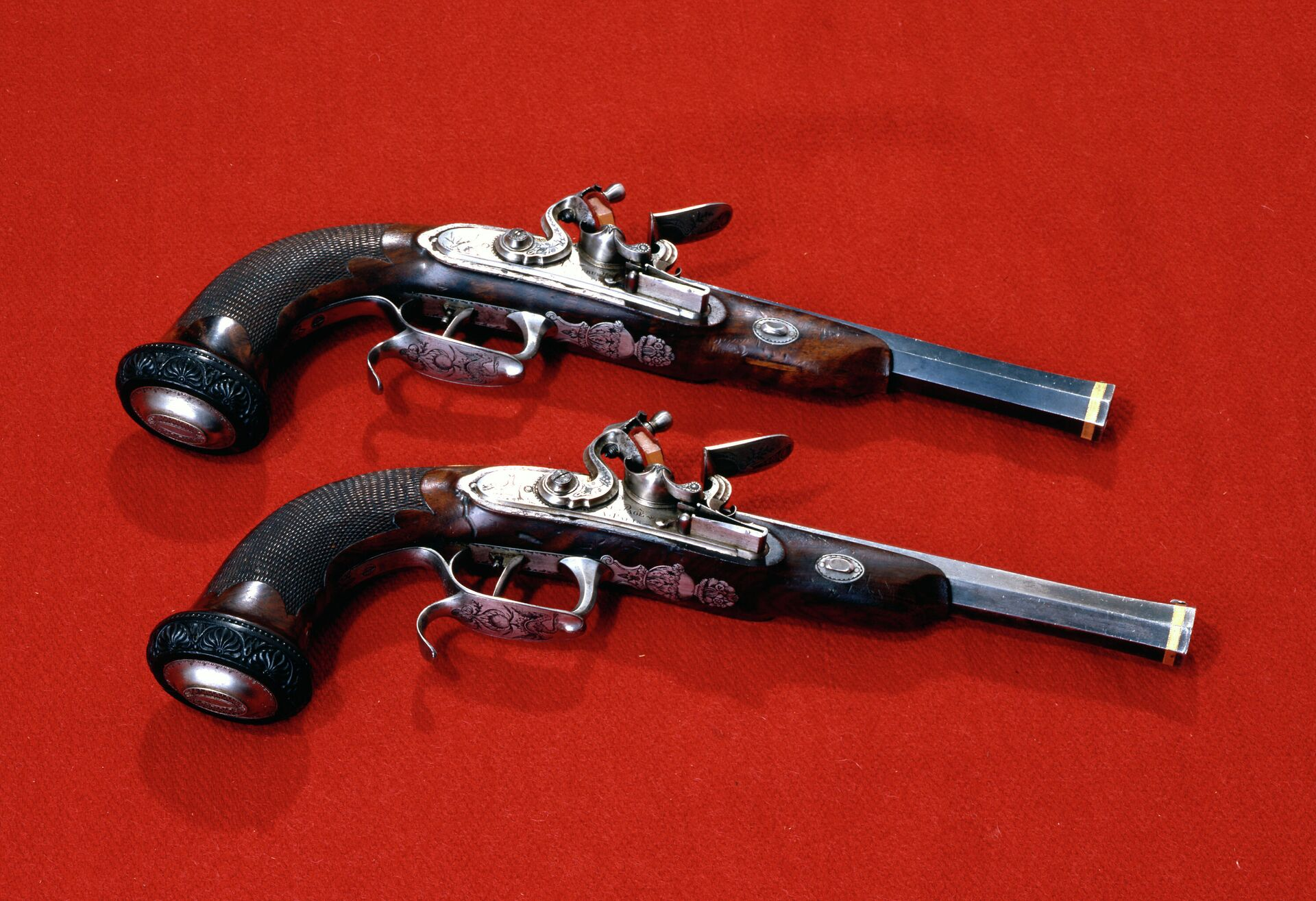 Пистолеты с ударно-кремневыми замками. Конец XVIII века - РИА Новости, 1920, 25.04.2021