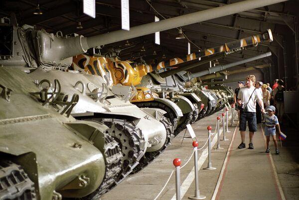 Танки в крупнейшем в мире Музее бронетанковой техники в подмосковном городе Кубинка