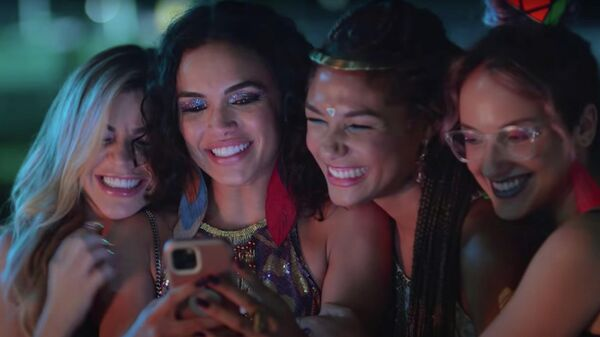 Кадр из фильма Карнавал