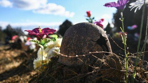 Останки погибших солдат, найденные на Окопной горе вблизи города Феодосии, перезахоронили на городском кладбище