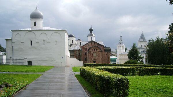 Церкви Ярославова дворища в Великом Новгороде