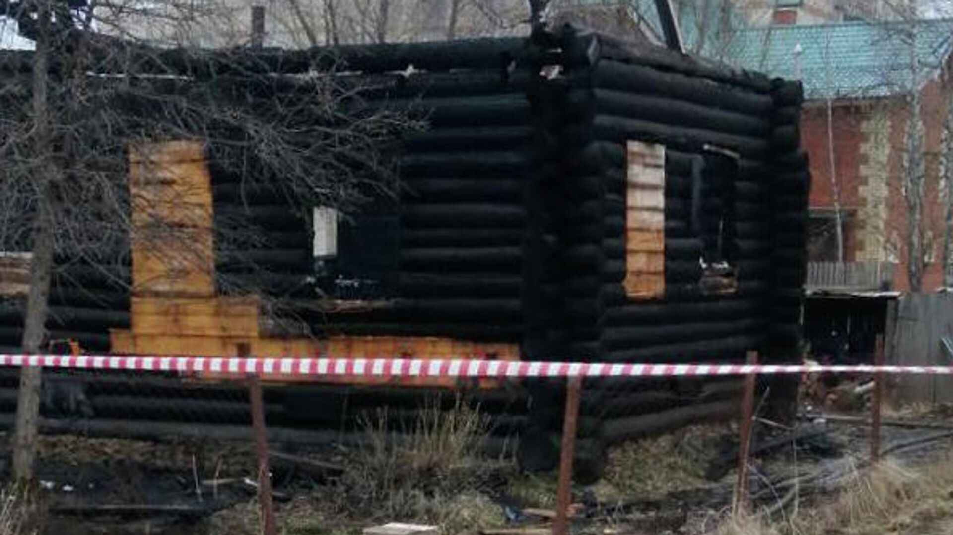 При пожаре в жилом доме на Садовом кольце в Москве погиб один человек