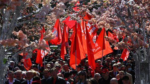Сторонники КПРФ в центре Москвы в День международной солидарности трудящихся