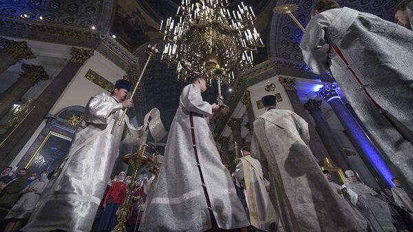 Патриарх Кирилл поздравил российских космонавтов с Пасхой
