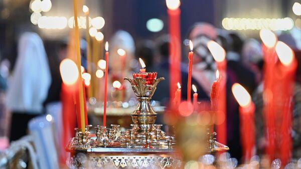 На праздничном пасхальном богослужении в кафедральном соборном храме Христа Спасителя в Москве