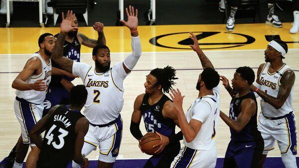 Игровой момент матча НБА  Торонто - Лос-Анджелес Лейкерс