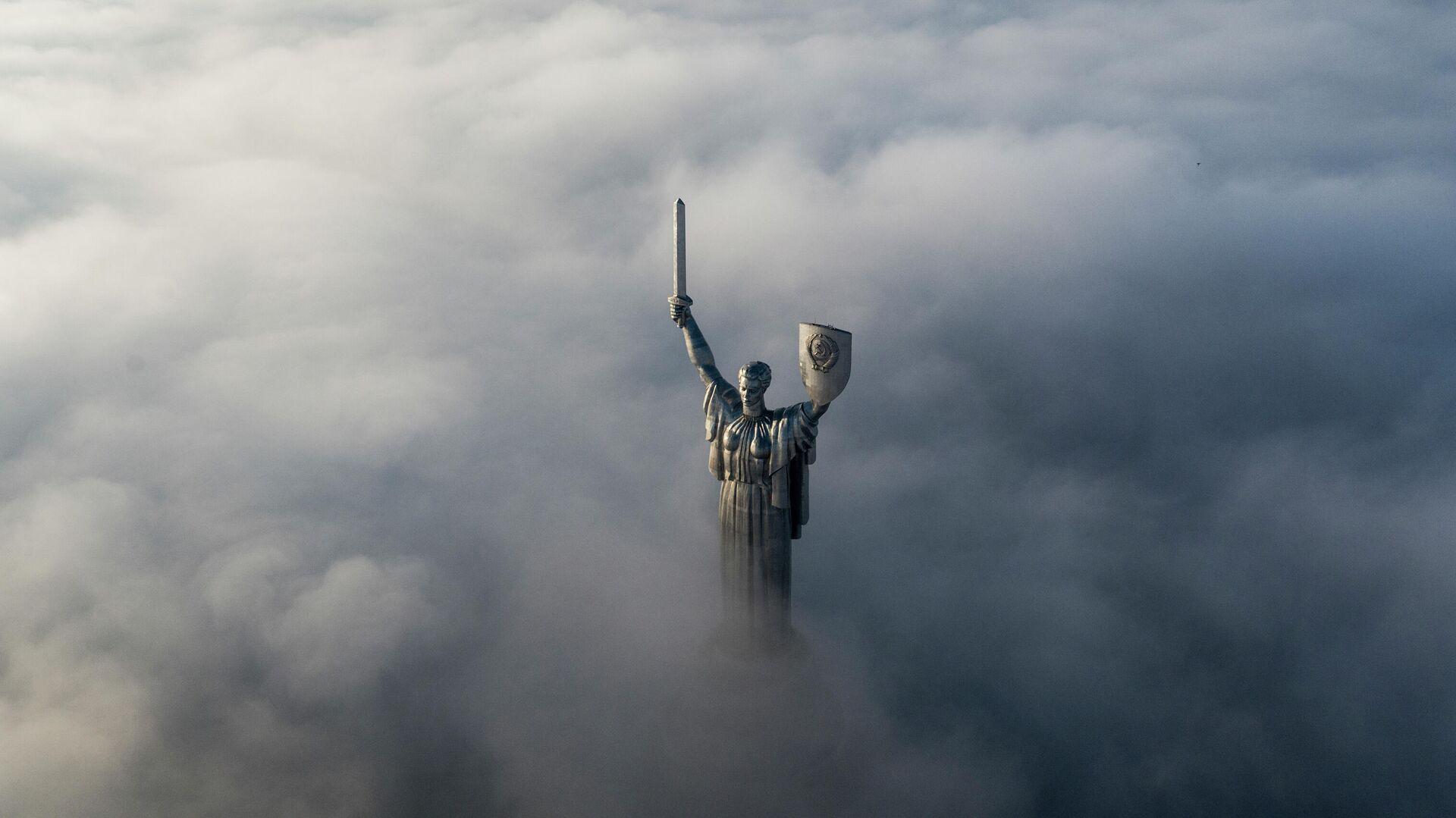 Монумент Родина-мать в Киеве - РИА Новости, 1920, 10.09.2021