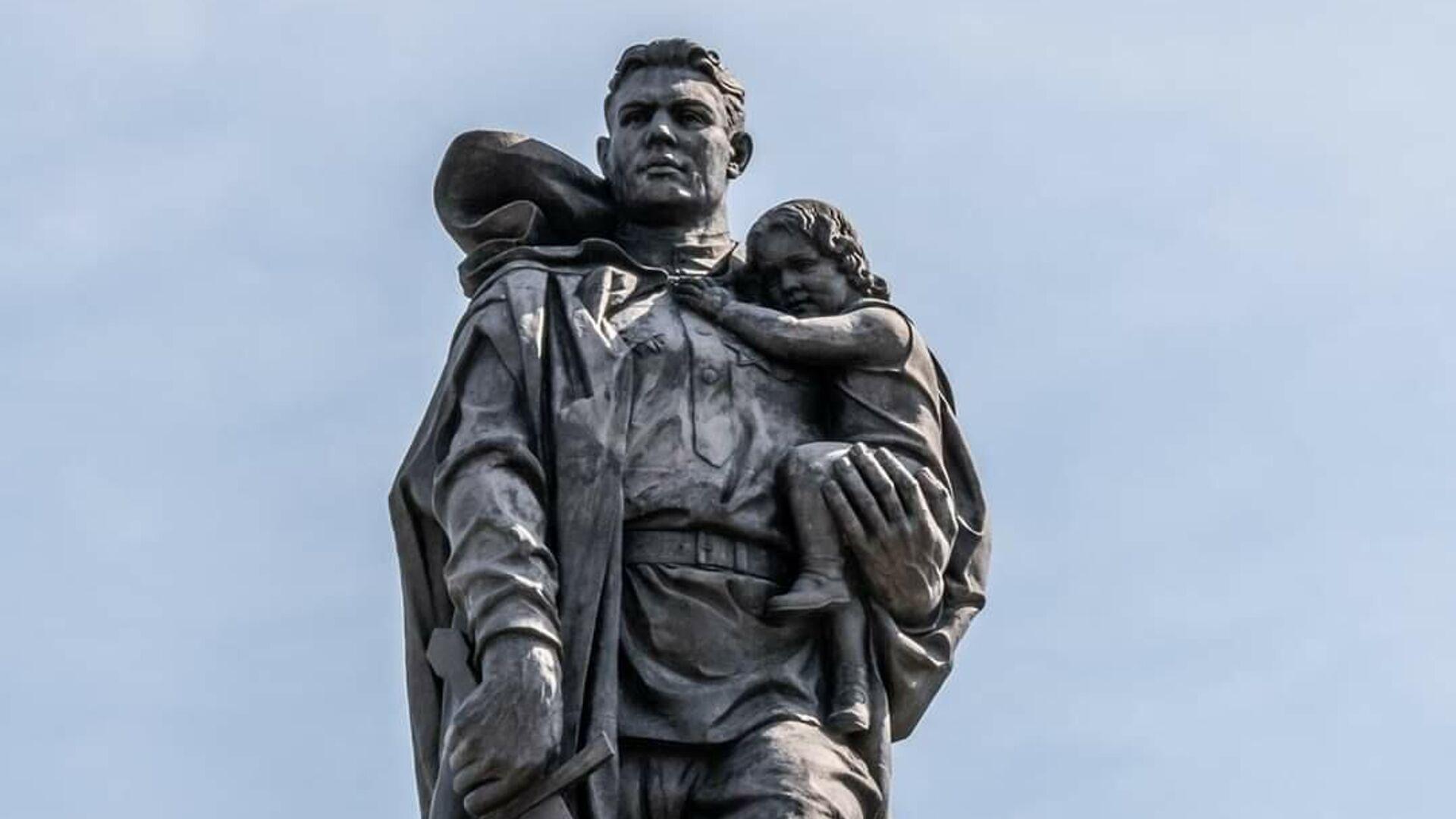 Памятник Воину-освободителю в Берлине - РИА Новости, 1920, 08.05.2021