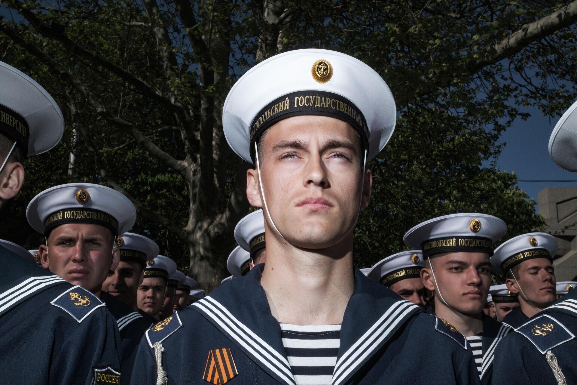 Военнослужащие перед началом военного парада в честь 76-й годовщины Победы в Великой Отечественной войне в Севастополе - РИА Новости, 1920, 21.06.2021