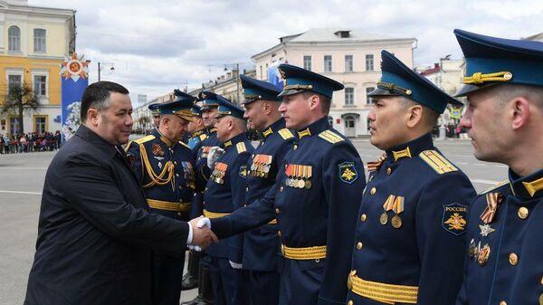 Губернатор Тверской области Игорь Руденя на параде Победы
