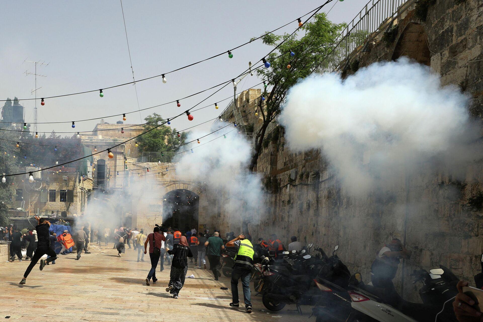 Столкновения возле мечети Аль-Акса в Иерусалиме - РИА Новости, 1920, 11.05.2021