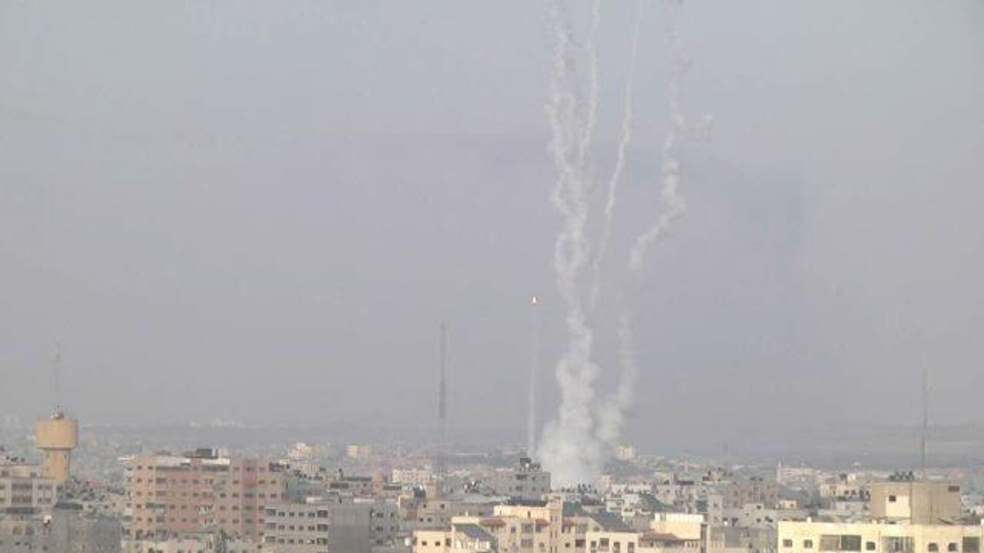 Запуск ракет военного крыла ХАМАС над сектором Газа - РИА Новости, 1920, 11.05.2021