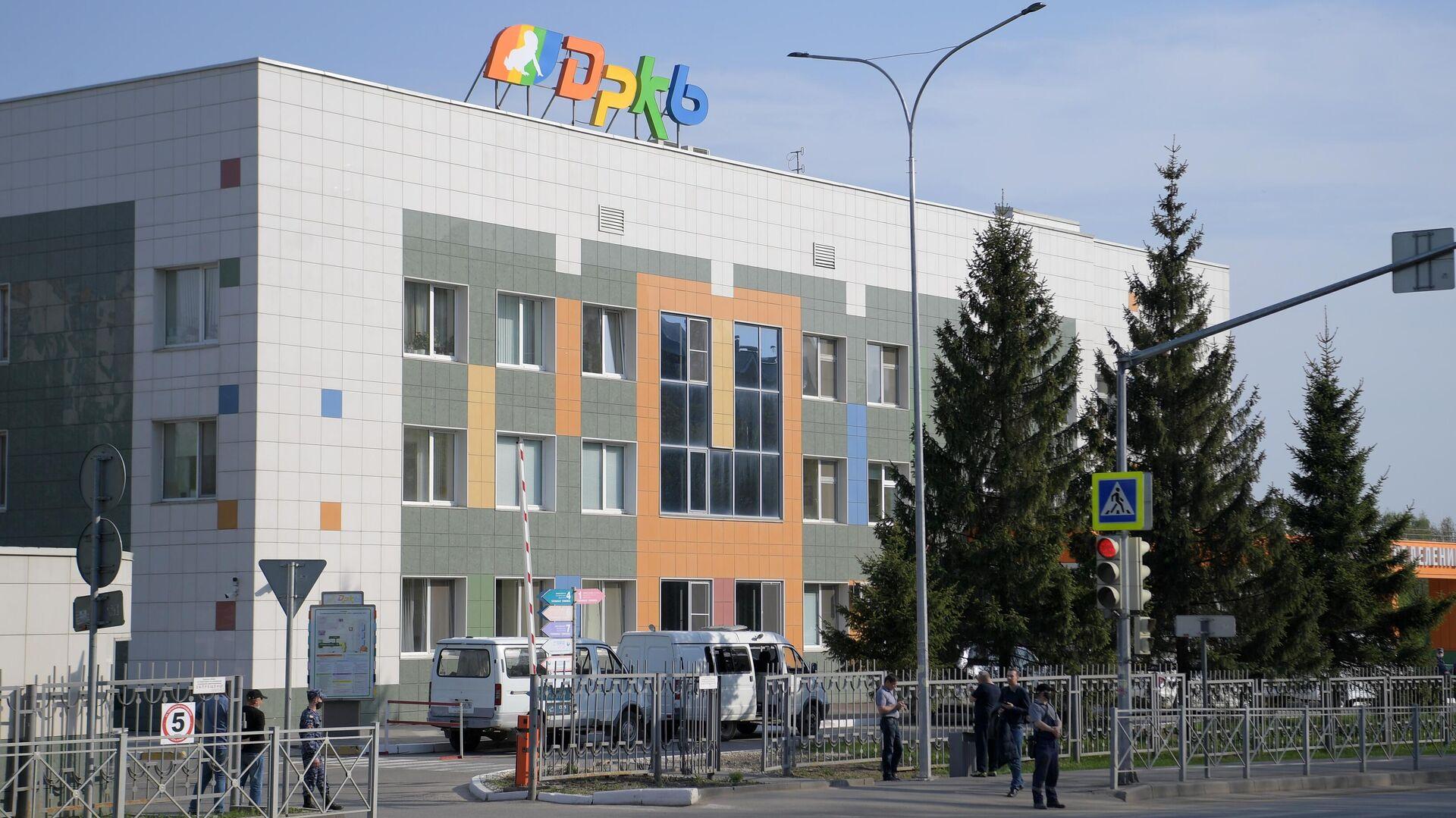 Республиканская детская клиническая больница в Казани, куда были госпитализированы раненные при стрельбе в гимназии - РИА Новости, 1920, 12.05.2021