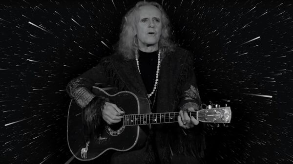 Кадр из клипа Donovan - I Am The Shaman