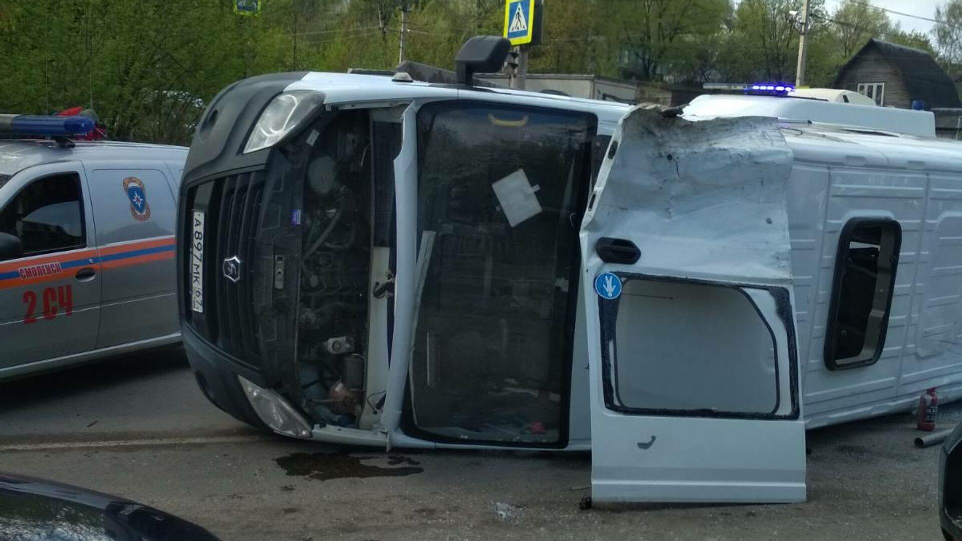 ДТП в результате столкновения маршрутного такси с фургоном в Смоленске - РИА Новости, 1920, 13.05.2021