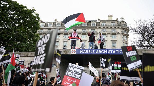 Акция протеста после вспышки израильско-палестинского насилия в Лондоне, Великобритания