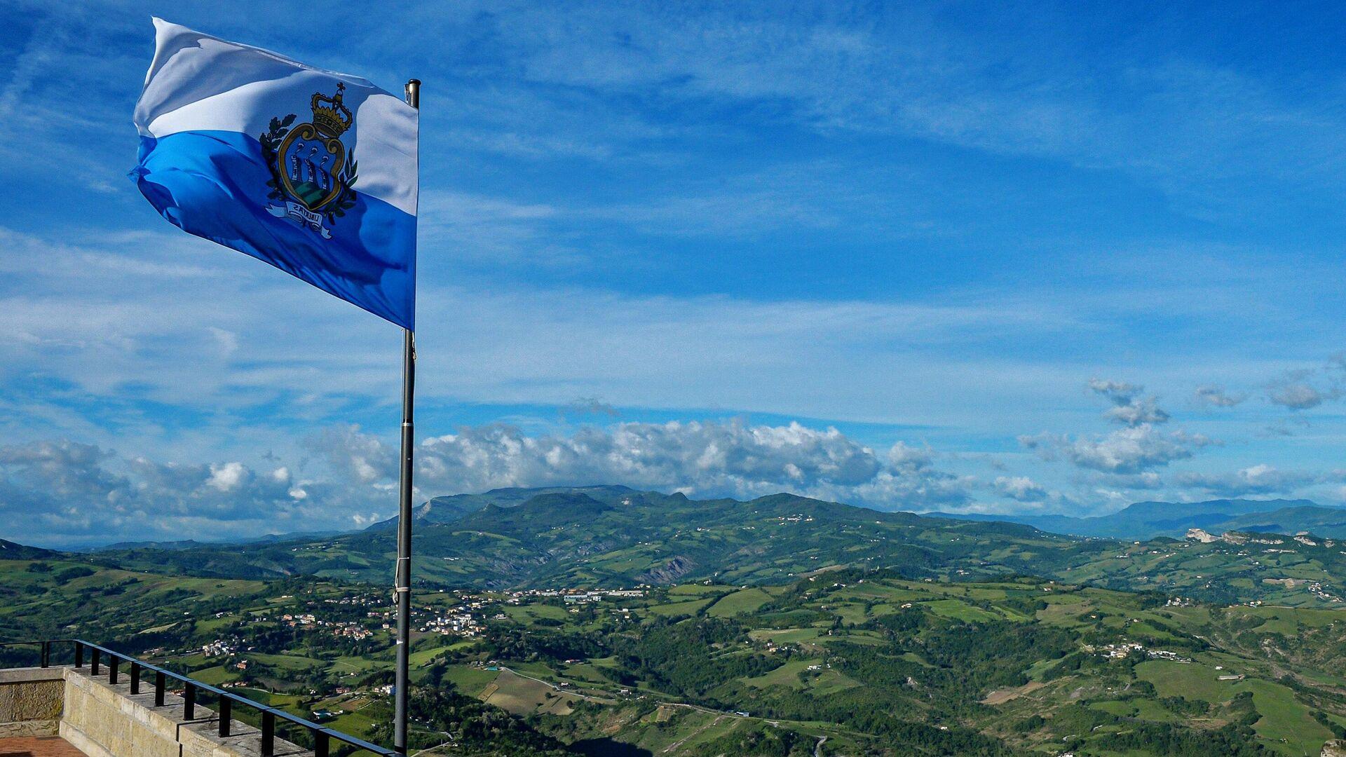 Флаг республики Сан-Марино - РИА Новости, 1920, 03.08.2021