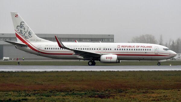 Лайнер Boeing 737-86X ВВС Польши