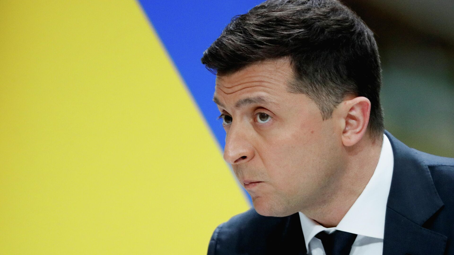 Президент Украины Владимир Зеленский во время пресс-конференции по итогам второго года своей работы на авиазаводе Антонов - РИА Новости, 1920, 10.06.2021