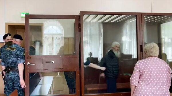 Бывший схимонах Сергий (Николай Романов) на заседании в Басманном суде Москвы